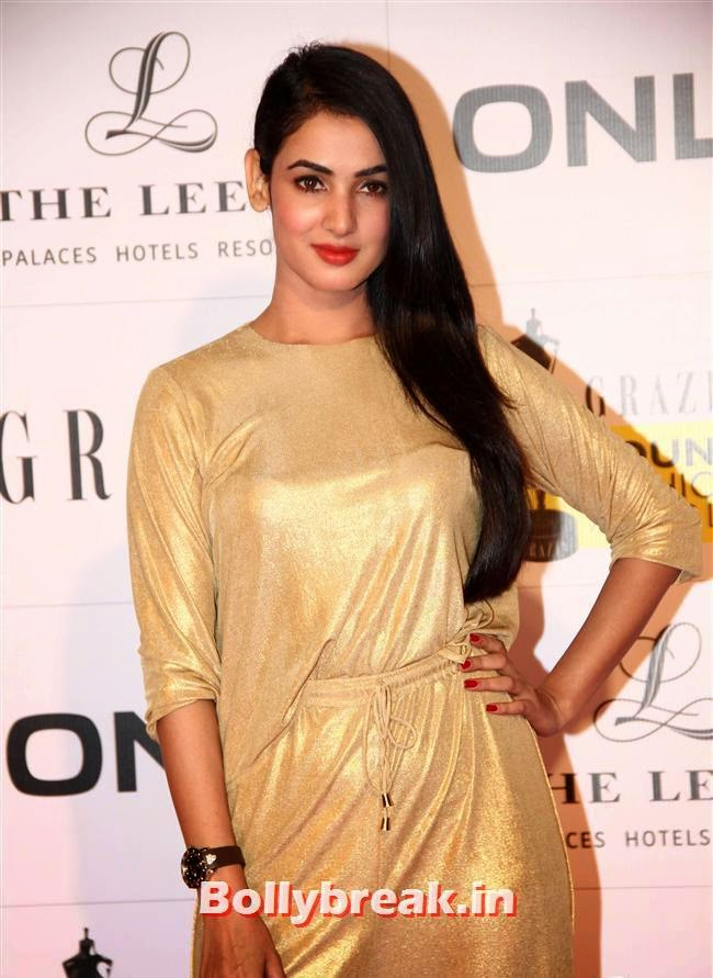Sonal Chauhan, Hottest Celebs of Bollywood at Grazia Young Fashion Awards 2014