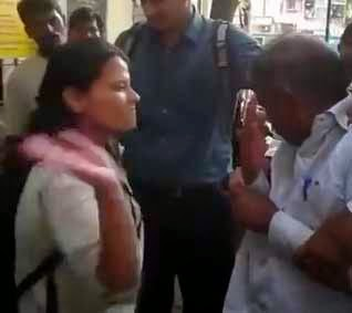 mumbai girl slapped, mumbai girl kicked, girl slaping a man