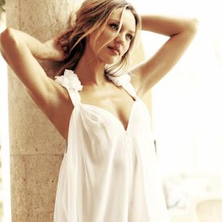 Chica vestido blanco