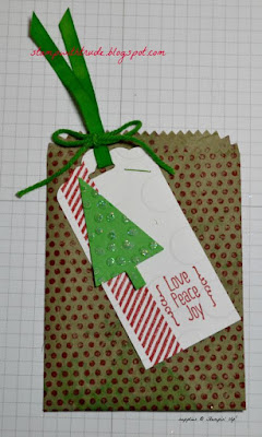 Trude Thoman, Tuesday Tutorial, Stampin' Up!, Mini Treat Bag thinlit, A Little Something stamp set, Christmas, Gorgeous Grunge, Dots for Days
