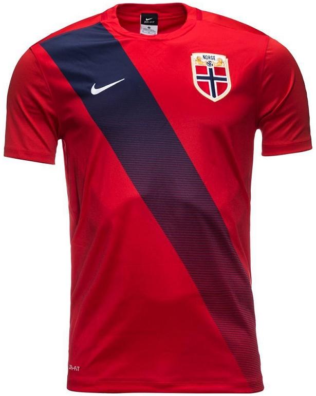 28adf4e773 Nike apresenta uniformes da Noruega para 2015 16 - Show de Camisas