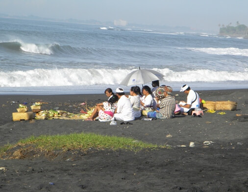 purnama beach bali, pantai purnama bali, bali surfing point, surfing point in bali