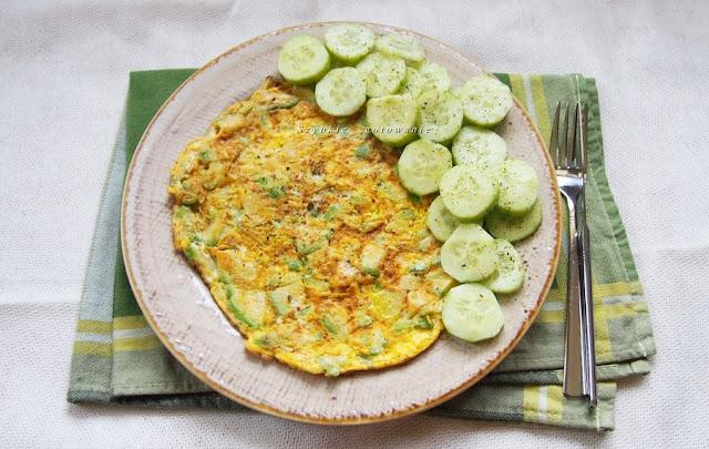 Sycący omlet z awokado - białkowo tłuszczowe śniadanie