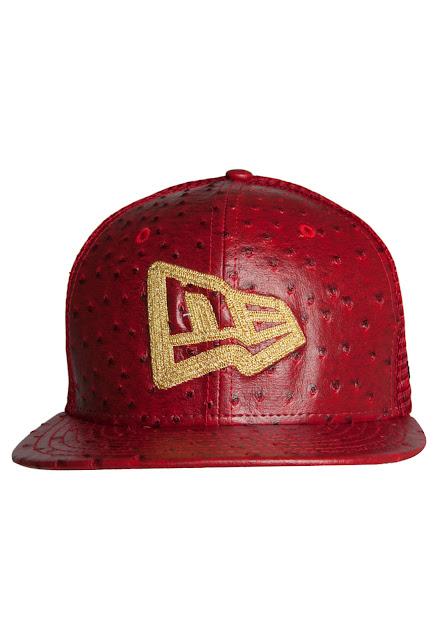 Boné New Era Trucker Mesh Ne vermelho é confeccionado em material sintético