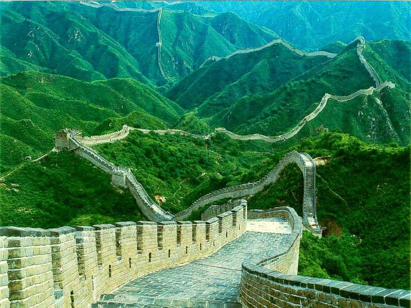 1. The Great Wall of China - 7 Amazing Journeys That Should Be On Your Bucket List