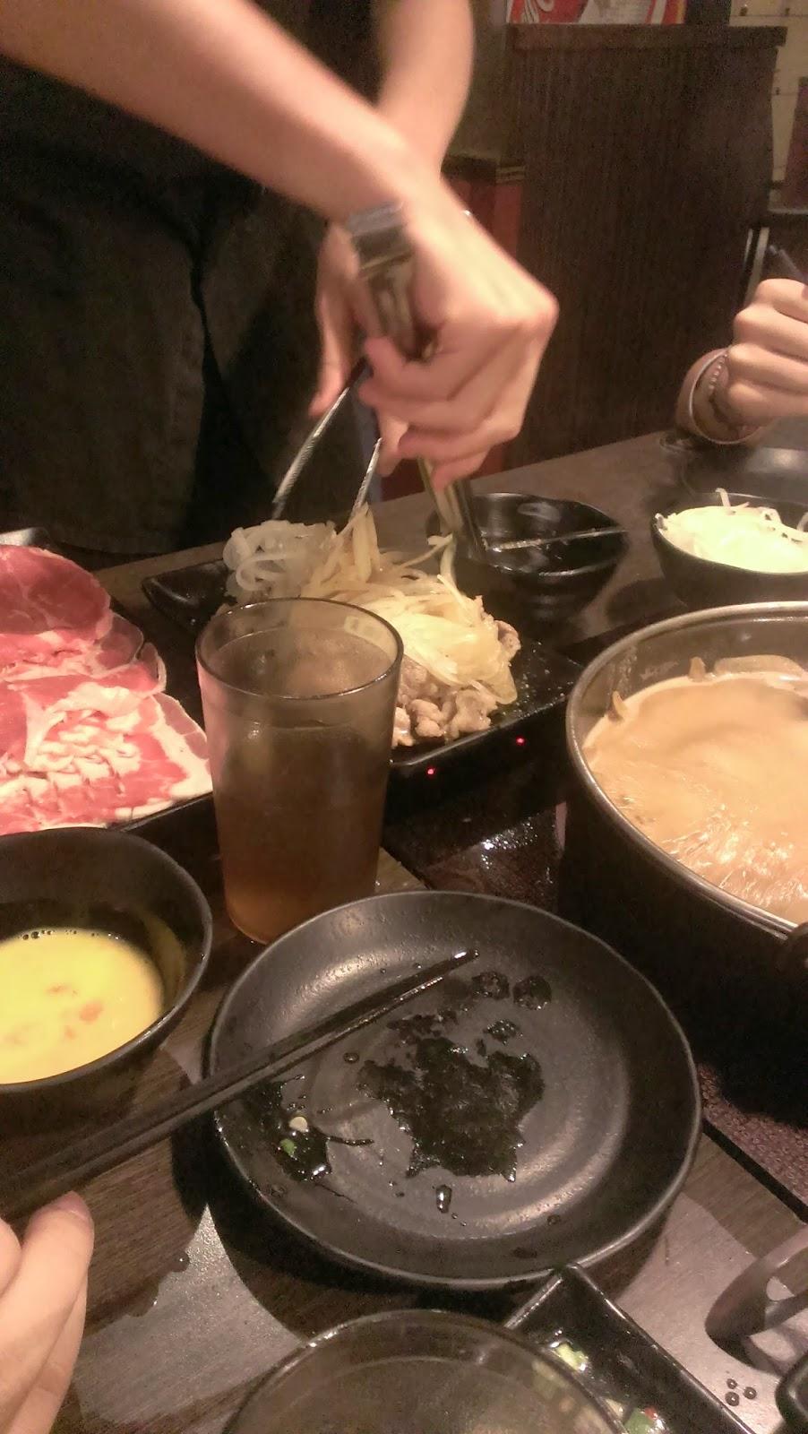 2014 11 09%2B17.24.29 - [食記] 潮肉壽喜燒 - 平價多樣的壽喜燒吃到飽