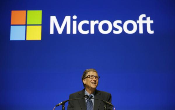 بيل جيتس يتبرع بـ 4.6 مليار دولار ويخفض نسبة أسهمه في مايكروسوفت