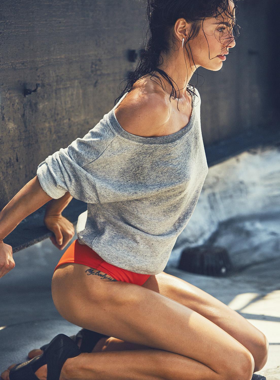 2017 05 kayla autumn ward legs - Manicure Rachel Shim