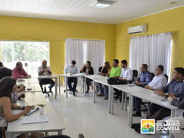 Padre Eraldo recebe prefeitos e secretários de Saúde da região para discutir futuro da UPA