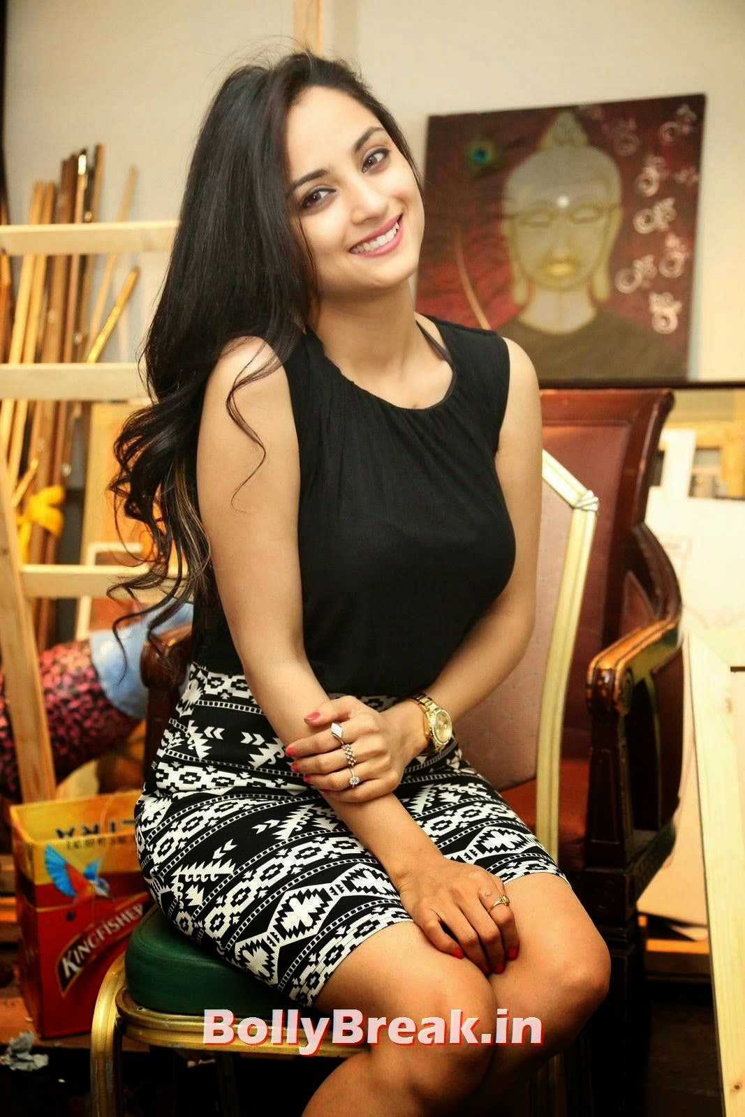 Actress Madirakshi Pics, Actress Madirakshi Hot Pics in Skirt & Black Top
