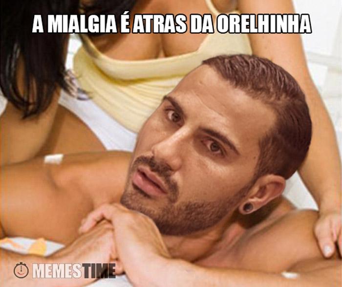 Meme  Ricardo Quaresma com uma Mialgia – a Mialgia é atras da orelhinha