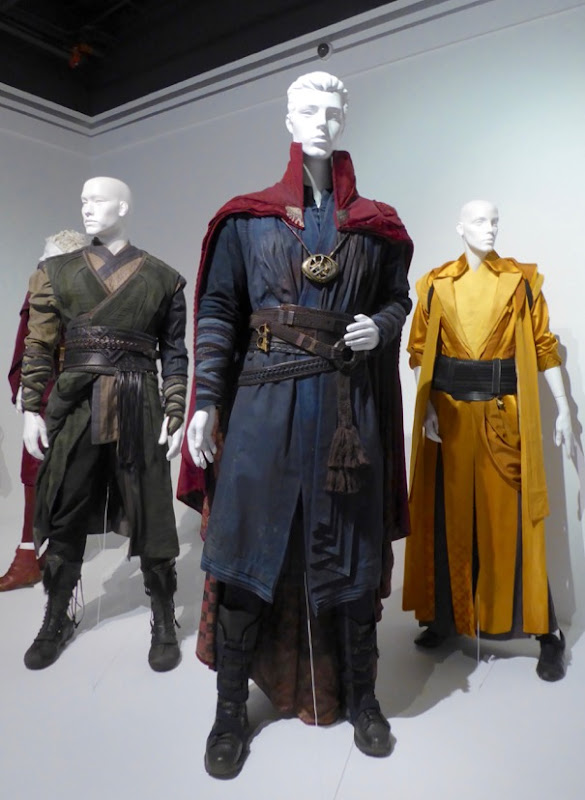 Benedict Cumberbatch Doctor Strange movie costume