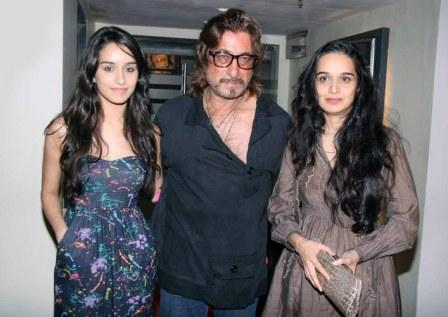 Shraddha Kapoor with father and mother