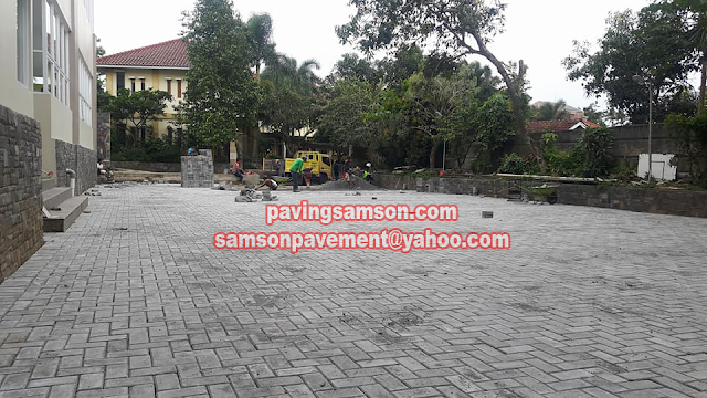 Pemasangan Paving Block di SD Tunas Unggul Bandung