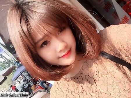 """<img src=""""toc-ngan-uon-cup-mat-nho.jpg"""" alt=""""Những Kiểu Tóc Uốn Đuôi Đẹp Nhất 2017""""/>"""