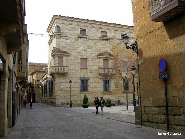 Calle Madrid.Casa de los Condes de Alba