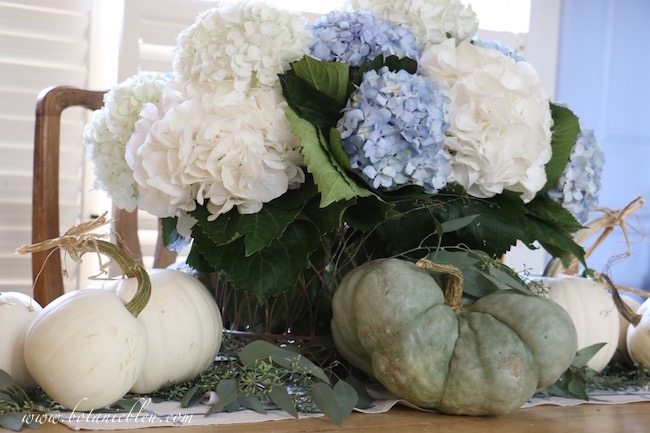 fall-home-tour-hydrangeas-white-green-pumpkins-table-centerpiece