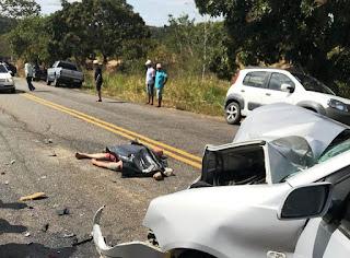 Acidente entre moto e carro deixa dois mortos e feridos na Paraíba