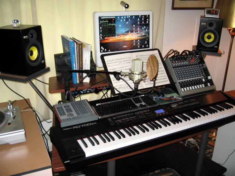 music keyboards laptops recording - photo #8
