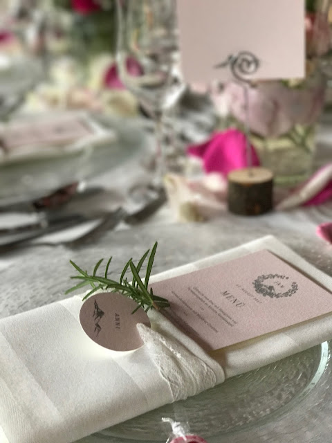 Serviettentaschen, Menükarten Rosmarin, Hochzeit, , Riessersee Hotel, Garmisch-Partenkirchen, Bayern, Vintage, Rosen, Schleierkraut, Rosa, Pink, See und Berge
