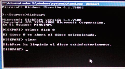 ventana de mensaje de disco duro limpiado por el diskpart en ordenador portatil