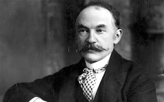 What is memorable and powerful in the voice by Thomas Hardy?