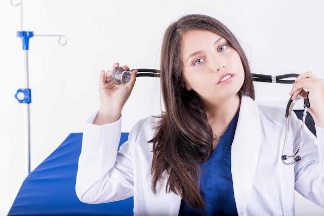Bagaimana Cara Mengatasi Menstruasi Tidak Lancar