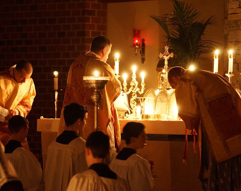 Missa Rorate Caeli, em Charlotte, North Carolina, EUA.