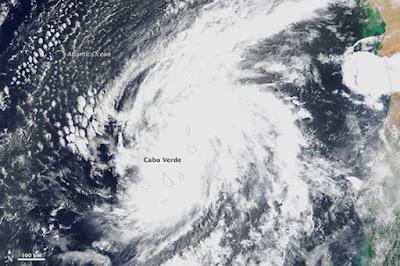 Huracán sobre las islas cabo verde