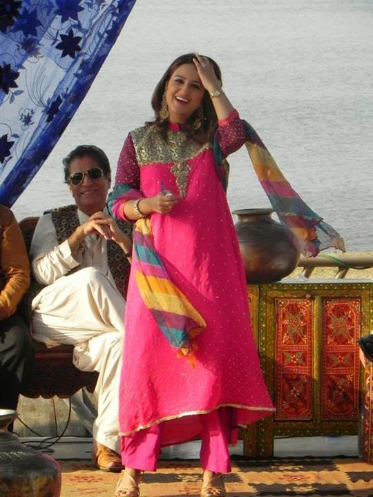 Pakistani Girl Wallpaper Facebook Pak Celebrity Gossip Nusrat Haris Profile Amp Wallpapers