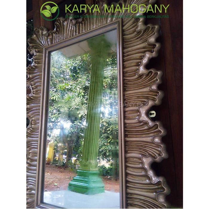 Pigura Cermin Dinding Jepara Berkualitas