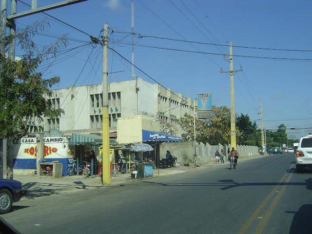 ▷ San Pedro de Macoris: Pasando por las calles del pueblo