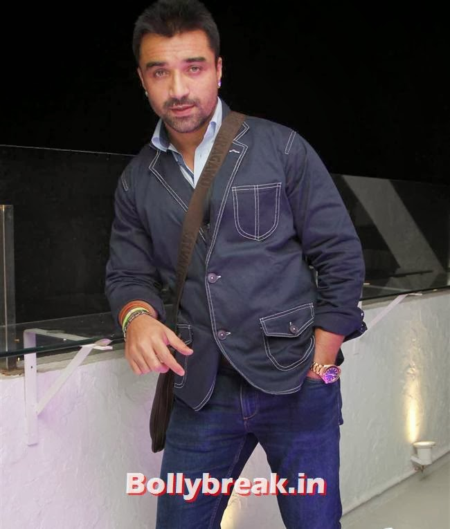Ajaz Khan, Page 3 Babes at Kapil Mehra Birthday Party