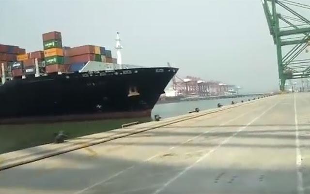 Πλοίο σε ξέφρενη πορεία προσκρούει σε προβλήτα (βίντεο)
