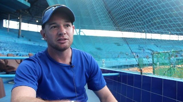 Yoan Hoyos, psicólogo de los Azules, asegura que al obtener resultados las reglas del juego de Víctor Mesa, el equipo las aceptó.