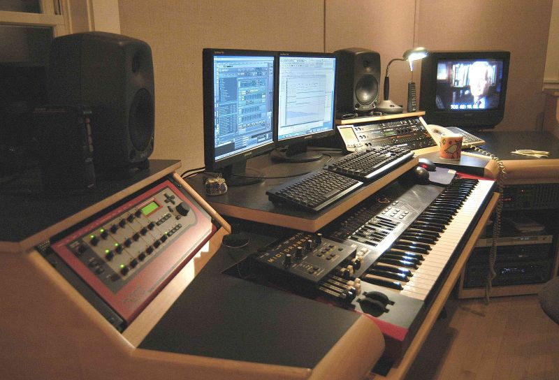 music keyboards laptops recording - photo #5