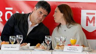 Jorge Macri escucha a María Eugenia Vidal en un acto en la provincia de Buenos Aires (Imagen de archivo)