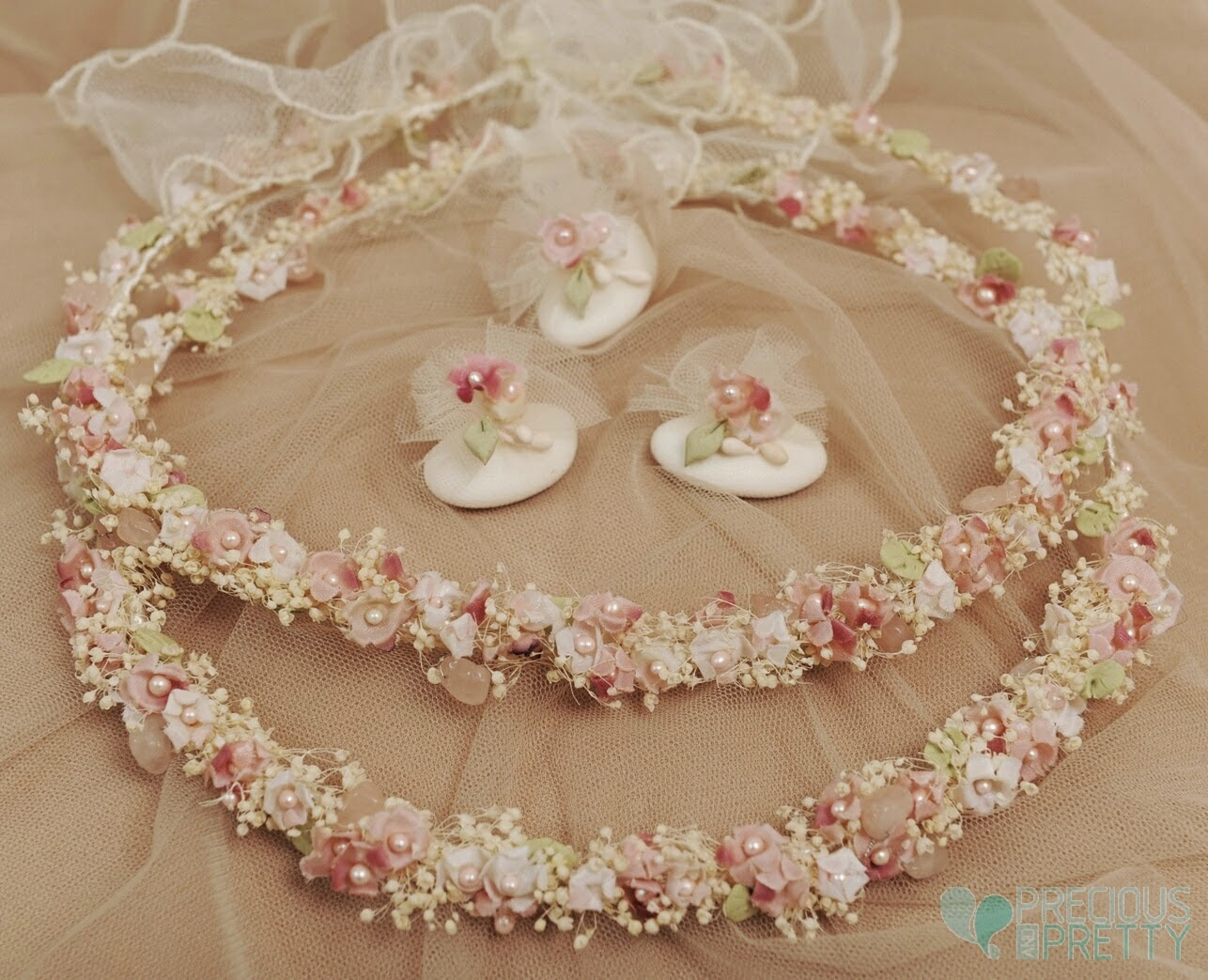 Flower wedding crowns in pink color