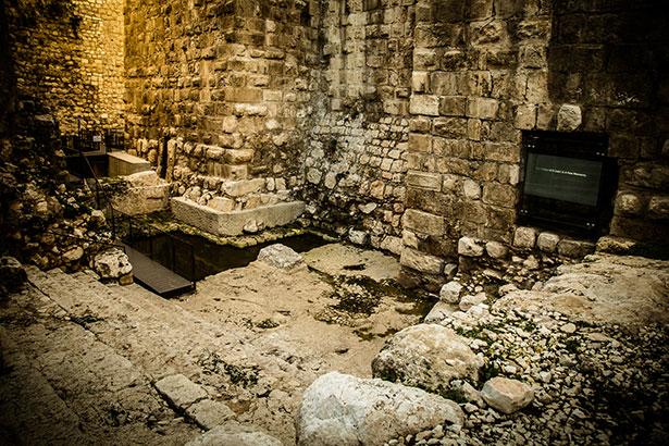 בריכת המים במתחם הארמון של הורדוס
