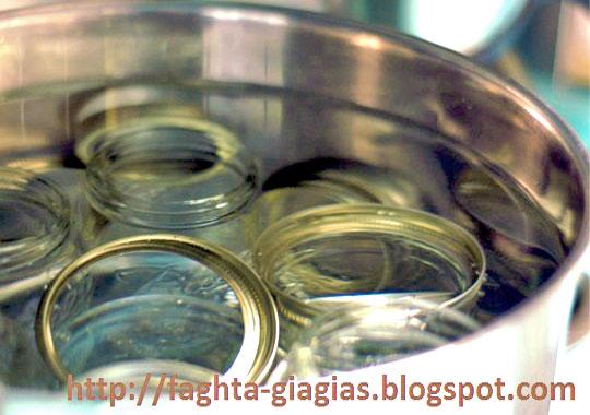 Αποστείρωση βάζων και μπουκαλιών - από «Τα φαγητά της γιαγιάς»