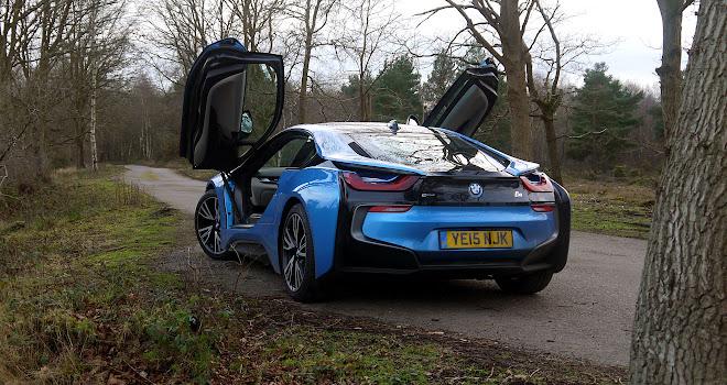 BMW i8 rear view