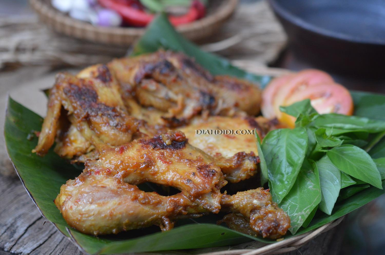 Resep Cake Pisang Diah Didi: Diah Didi's Kitchen: Ayam Bekakak Khas Sunda