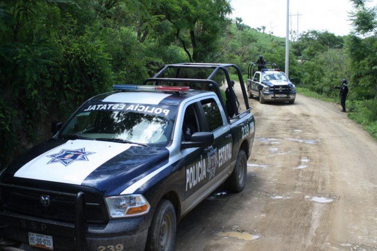 Enfrentamiento entre sicarios deja al menos ocho ejecutados en Guerrero.