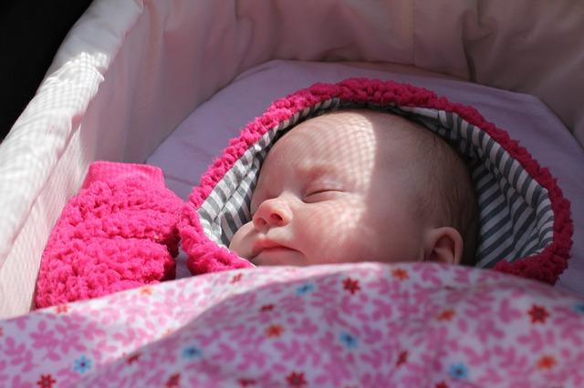 ayunan bayi, ayunan bayi otomatis, tipe ayunan bayi otomatis, keuntungan ayunan bayi otomatis