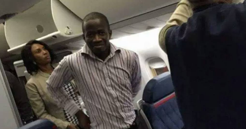 Wole Soyinka Pictured In A Plane Coming Back To Nigeria