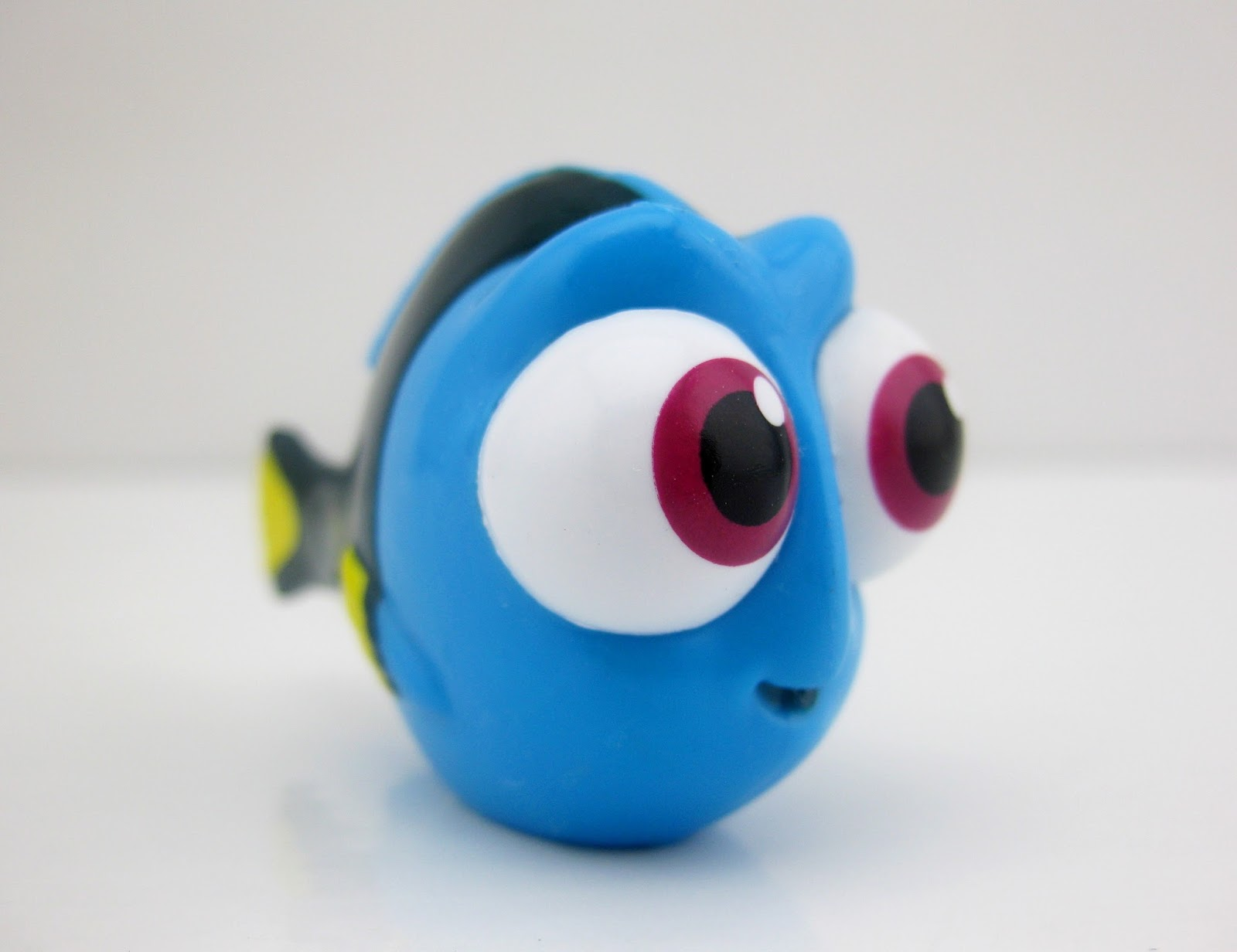 "Finding Dory Collectible Figure ""Blind Bags"" Series 4 little dory"
