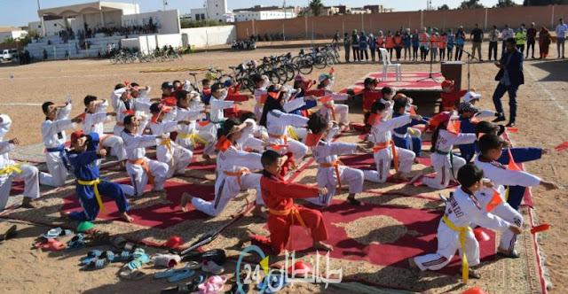 فعاليات النسخة الاولى للتحدي النسوي طانطان المنظم من طرف جمعية قوافل الصحراء للدراجات
