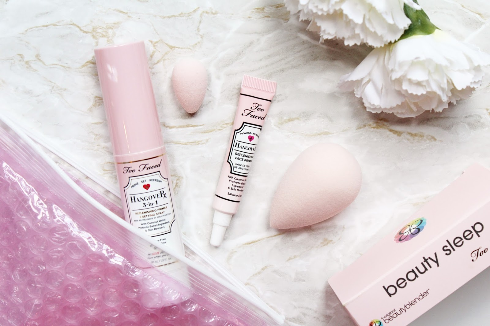 Beautyblender x Too Faced Beauty Sleep Set