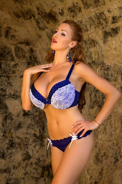 Jordan-Carver-Aquavita-hot-sexy-photoshoot-image-in-hd-quality-16