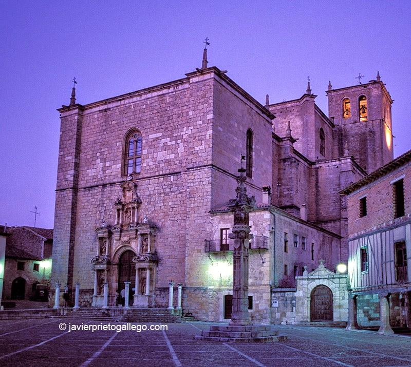 Templo de Santa María. Plaza del Duque. Peñaranda de Duero. Burgos. Castilla y León. España. © Javier Prieto Gallego